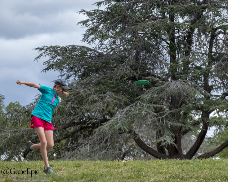 Evelyn Heath competing in the 2018 Australian Disc Golf Championships in Canberra.
